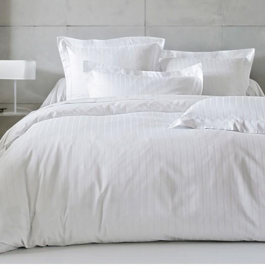 divine blanc blanc des vosges l au march du linge. Black Bedroom Furniture Sets. Home Design Ideas